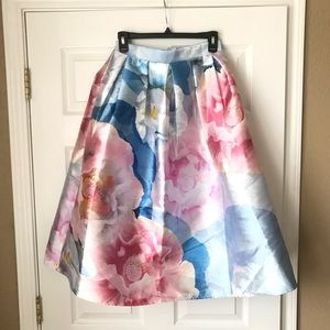 New! Chicwish floral skirt